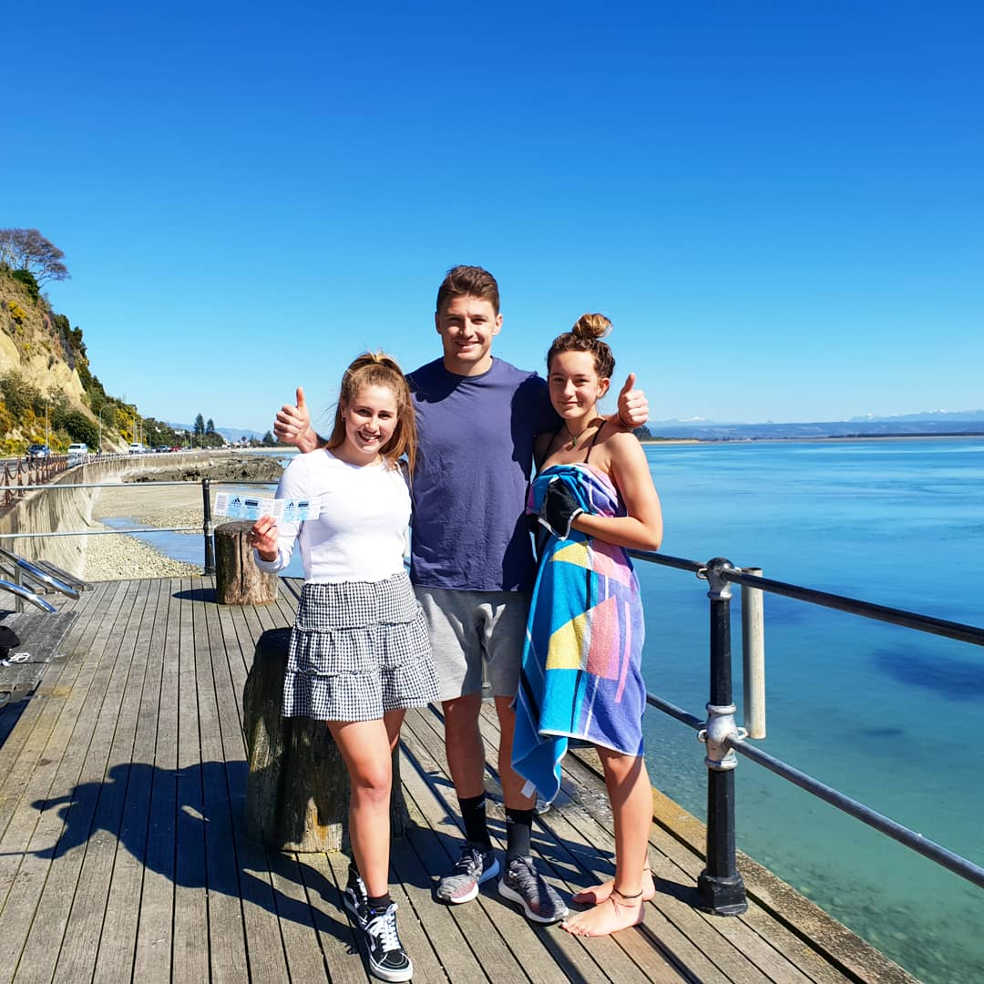 First time in Nelson and its been an awesome week. Looking forward to seeing the @allblacks lads go to battle tonight. Enjoy the game girls, thanks for not leaving me hanging 😅☀️🤙🏼 #SunnyNelson #Gameday