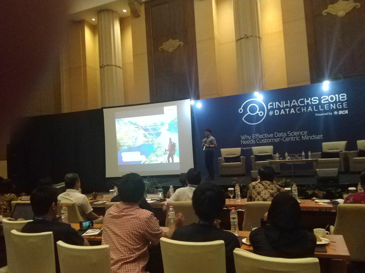 Roadshow Finhacks 2018 #DataChallenge Yogyakarta 2