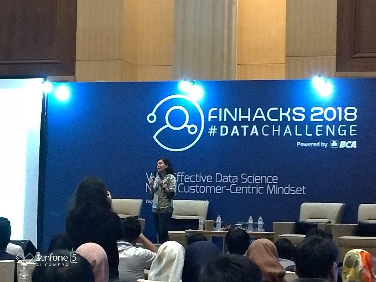 DmiwF7yU4AA4vf2 Roadshow Finhacks 2018 #DataChallenge Yogyakarta  wallpaper