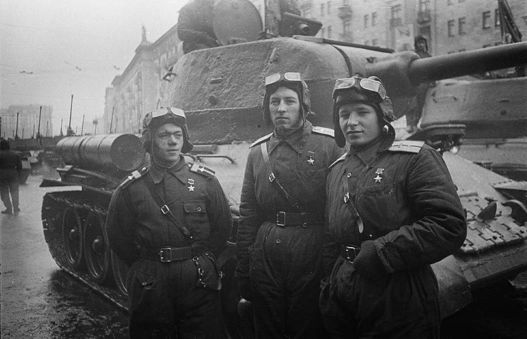 Картинка на песню три танкиста