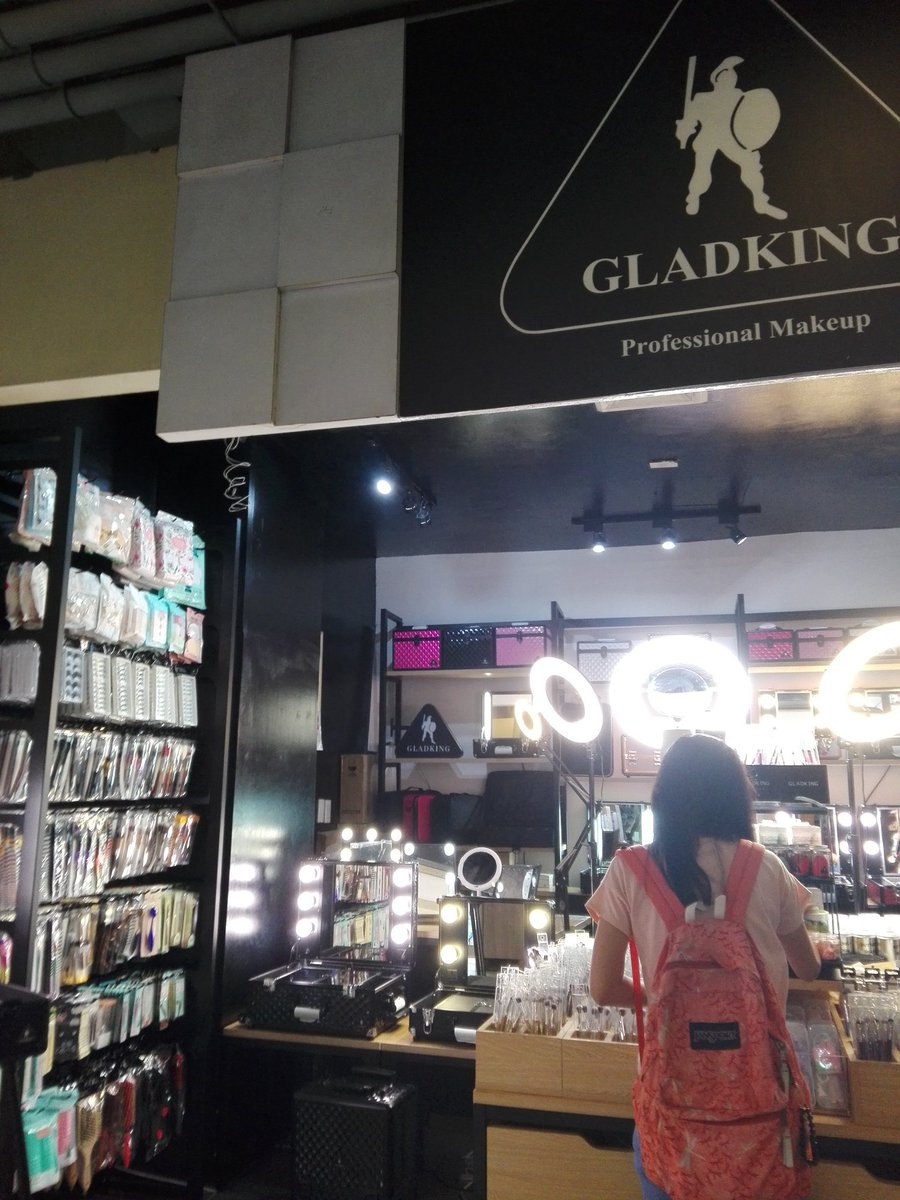 makeup Source · gladking hashtag on Twitter