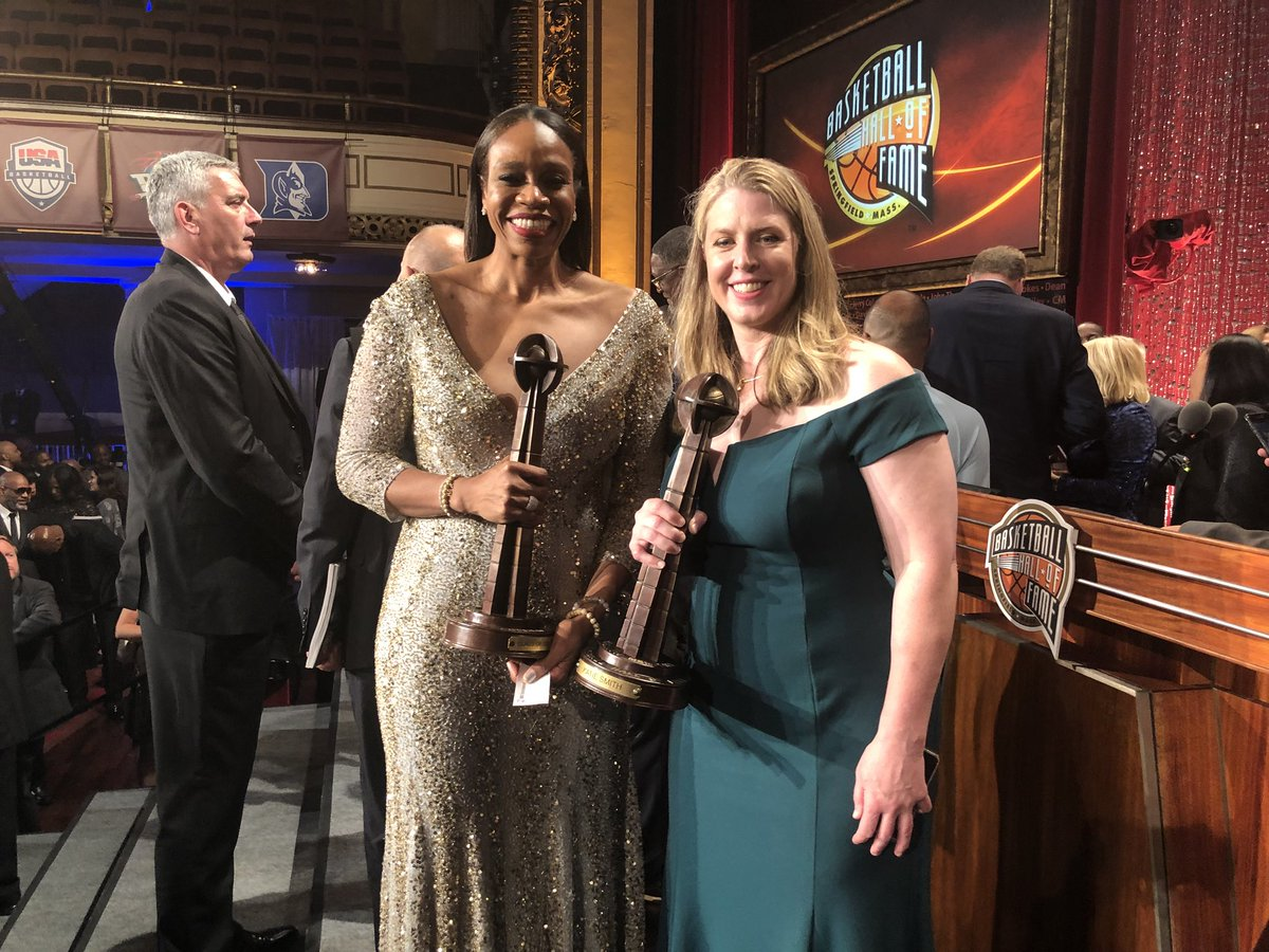About last night!   #18HoopClass @Hoophall enshrinees @IamTinaThompson and @katiesmith30.