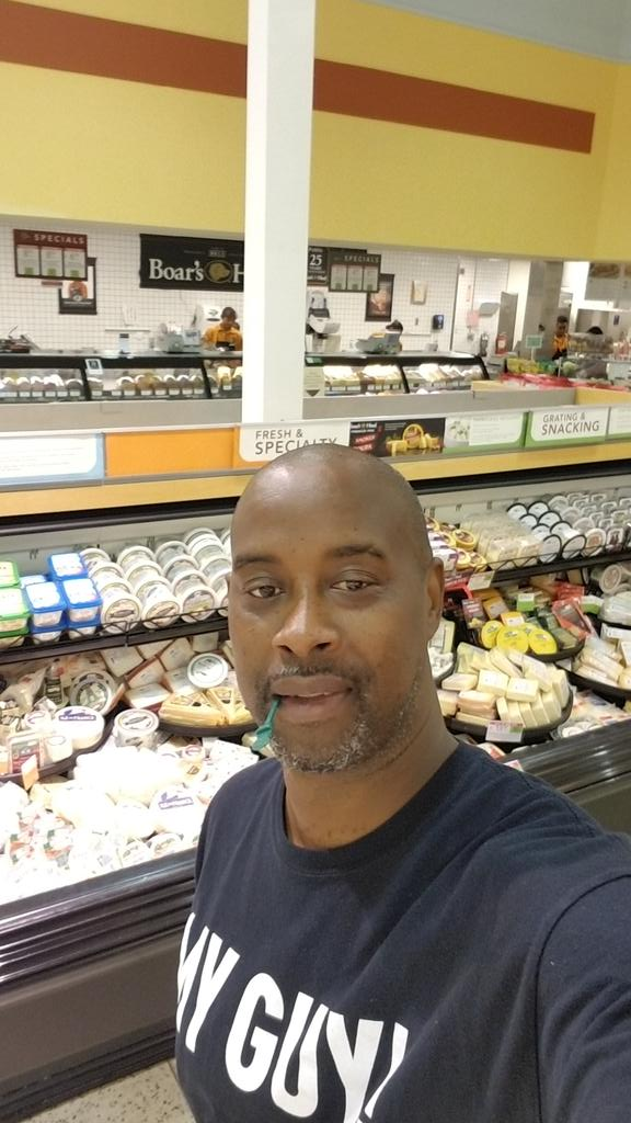 I am going to walk every alise in my @Publix it's going to be a while https://t.co/2CJYo8mvMm