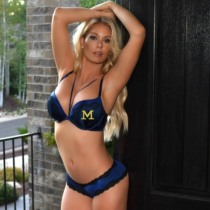 Can #Michigan go 15-1 this year? 🤔 I think Michigan can go 15-1 this year! 😃 #GoBlue! #UMich #Wolverines