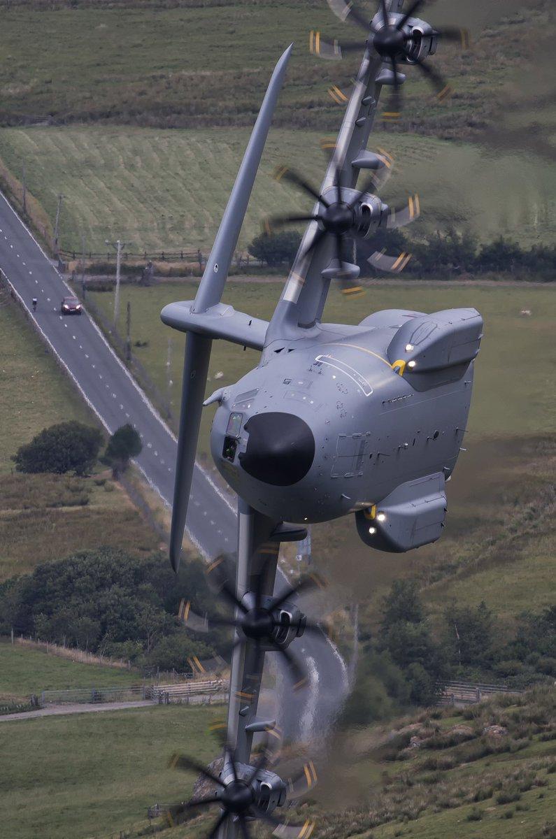 طائرة النقل العسكري البعيدة المدى Airbus A-400M Dmlw6cvX0AYCimq