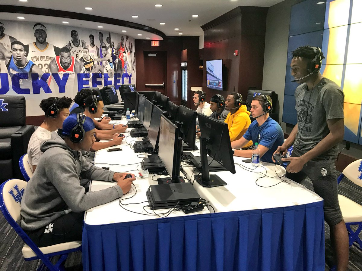 Kentucky basketball gets the night off to play new Call of Duty video game