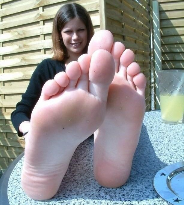 feet-amateur-young