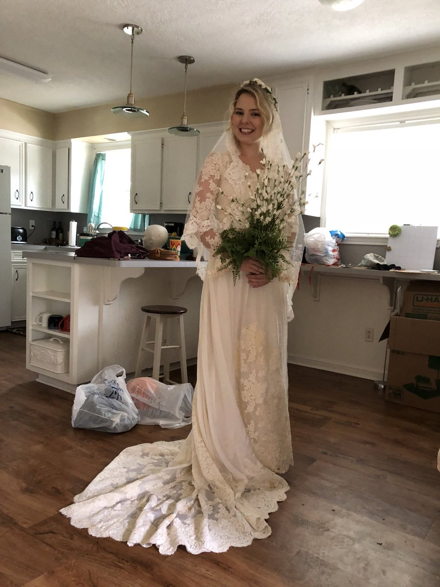 Lillian On Twitter My Roommate Bought A Goodwill Wedding Dress For