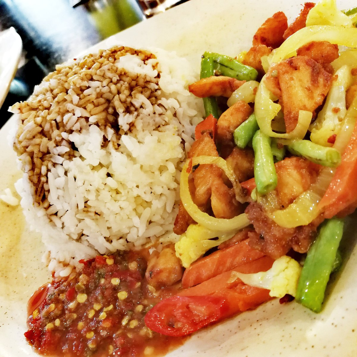 Lesung Batu Cafe On Twitter Our Set Nasi Ayam Goreng Kunyit Consists Of Ayam Goreng Kunyit Sup Kosong Rice With Kicap Kipas Udang And Our Sambal Belacan Power All For Just Rm6