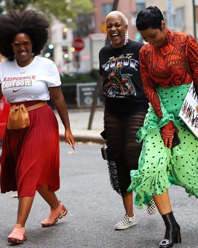 #streetstylestars at #NYFW @meccajw @lexxdc_ @londongirlinnyc @lordnc  #bellanaijastyle #style #fashionable #fashion #instafashion #instastyle #style #nyfw #fashionweekdiariespic.twitter.com/p3zKNmvgzQ
