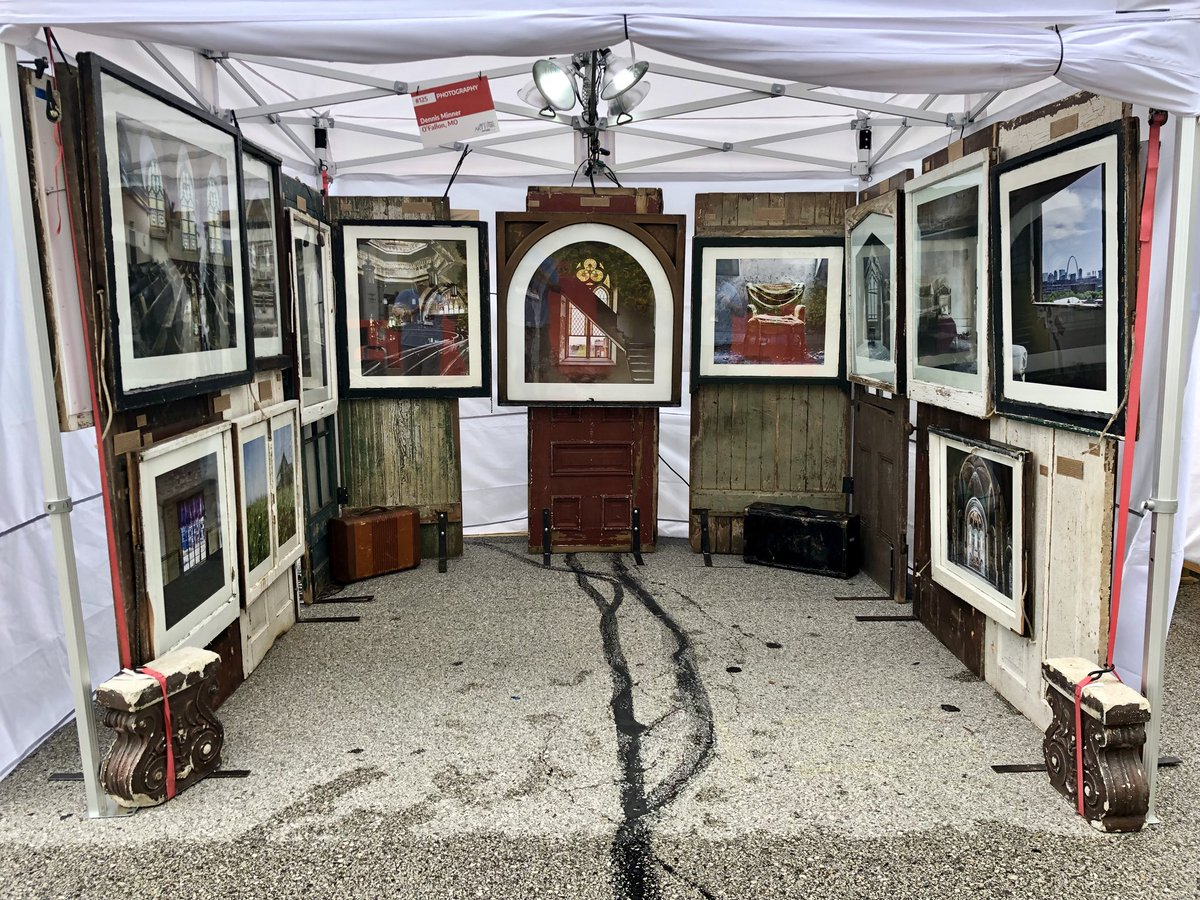 Last day to come see me at @STLArtFair today from 11-5!! Zero chance of rain!! #stlouis #stl Give me a #letsgoblues and I'll hook you up! Would appreciate everyone in StL retweeting for me!