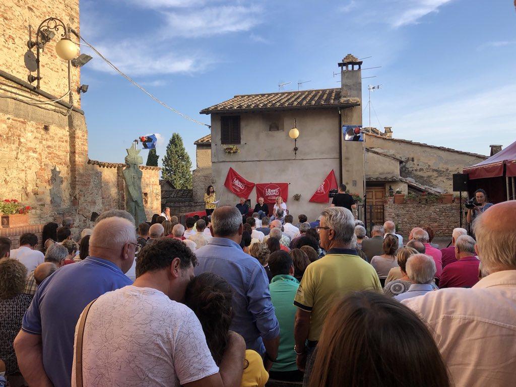 Bella e partecipata la discussione a #Certaldo alla festa di @liberi_uguali nel cuore della Toscana. #LiberieUguali #LeU  - Ukustom