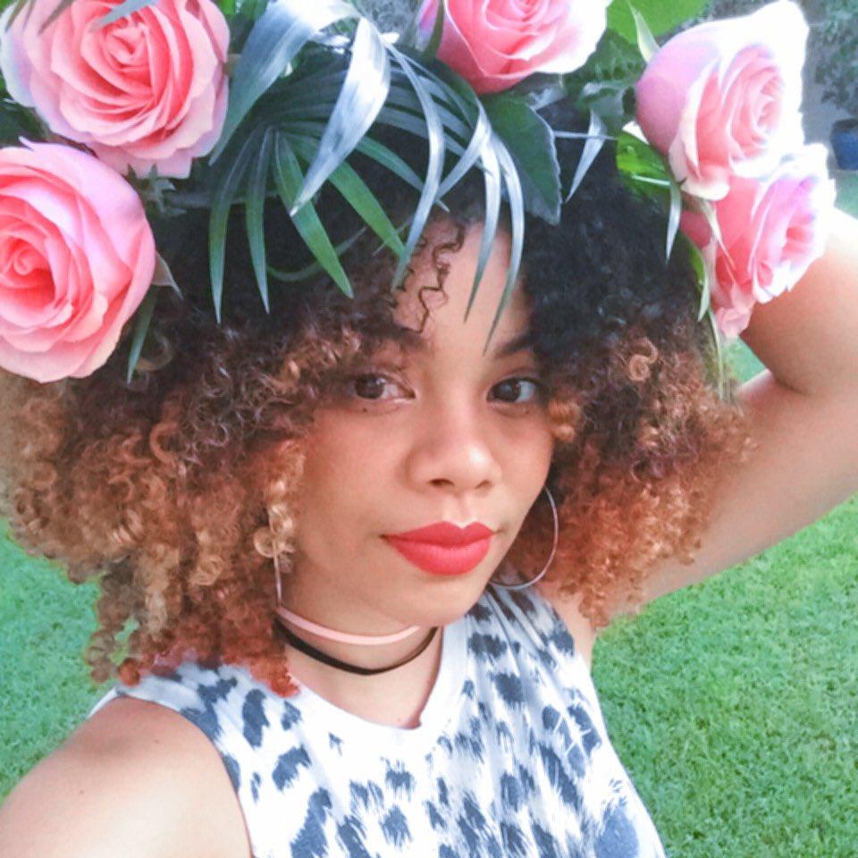 Flowercrown hashtag on twitter m naturalhair flowercrown mixed rosesarepinkbutyabreathstinkpicitterhchvcldpum izmirmasajfo