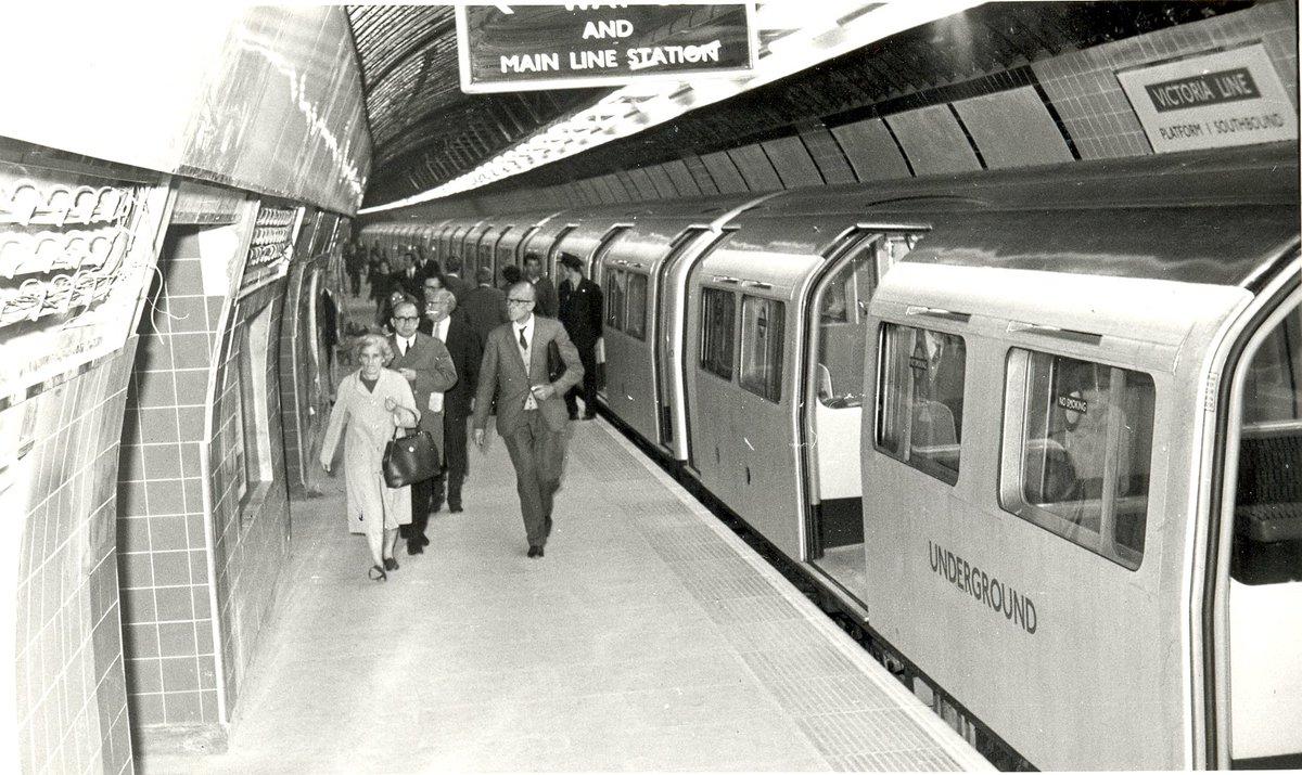 Dmu6o3xXcAApy8e - The Victoria Line's really big 50th birthday! #2