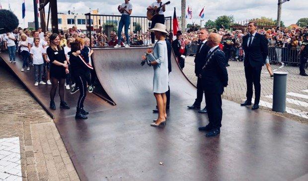 """stadskrant veghel on twitter: """"koningin maxima in veghel voor"""