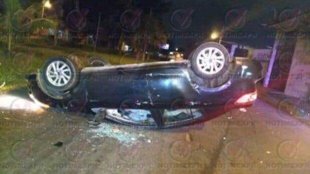 FUERTE ACCIDENTE UN AUTO VOLCӠEN VERACRUZ �� https://t.co/A0H9Rdp86A #Xalapa #Veracruz #Coatepec https://t.co/5NTvQF8Sou