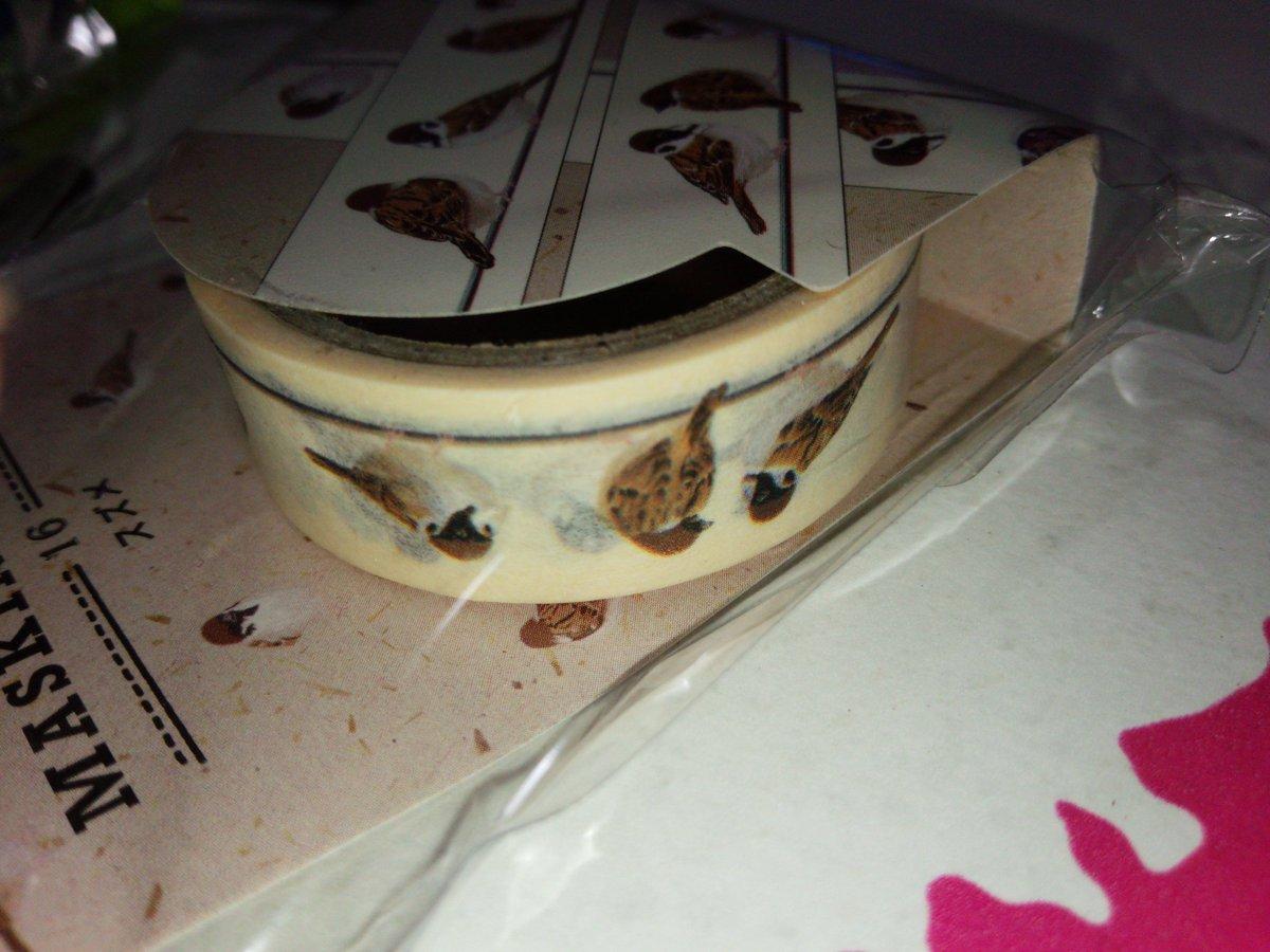 test ツイッターメディア - マスキングテープが好きで集めてるんだけど100均のものだとキャンドゥのが一番かわいい?? ダイソーのは粘着力が強すぎて全体的にベタベタ、セリアのは無地とかチェック柄とかシンプルなデザインが多いイメージ。 写真はキャンドゥのマステ。  #マスキングテープ #マステ #キャンドゥ #ダイソー #セリア https://t.co/uotj6uVTgU