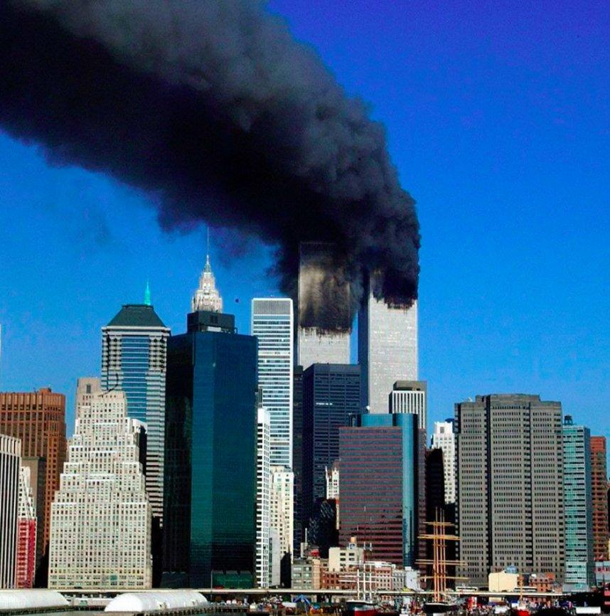 #11settembre 2001: diciotto anni fa gli attentati terroristici che segnarono la storia contemporanea. https://t.co/2QjQedJi2m