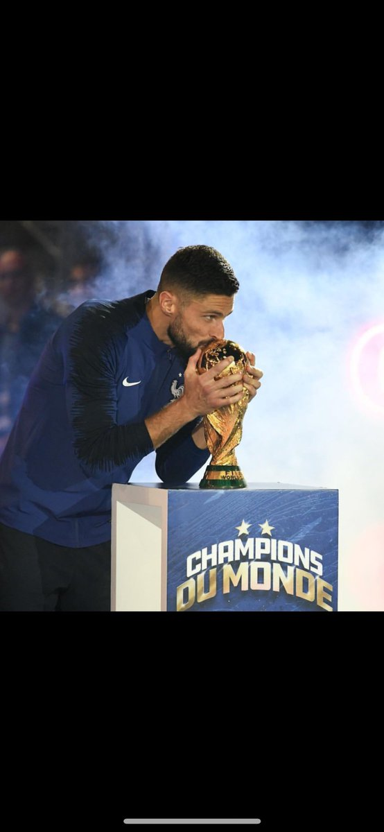 Nice to kiss it it again! 🇫🇷🤩😍🙏🏼 #FiersdetreBleus #WorldCupwinner