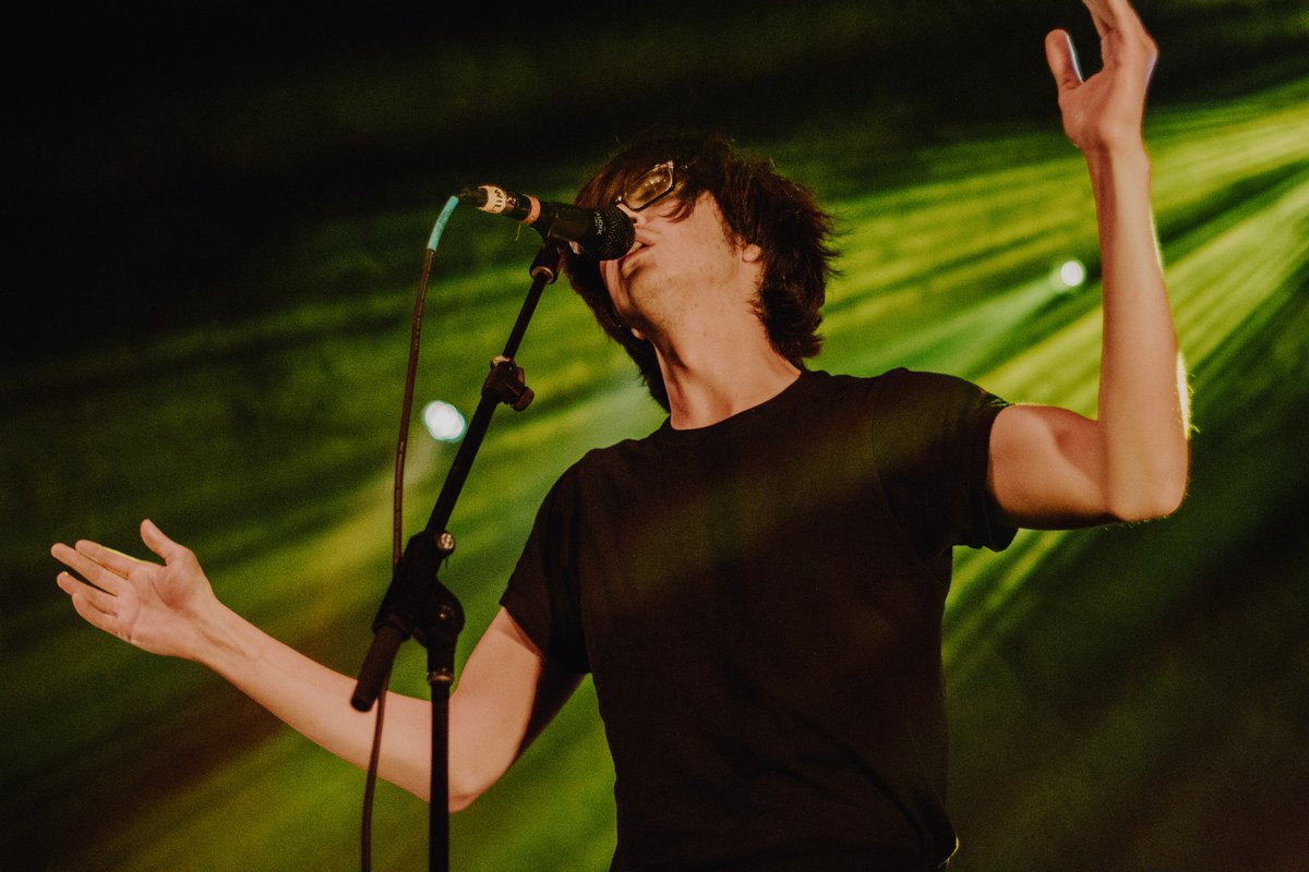 Anchrmagazine Gigswedig 2018 9 10 Photos Naked Giants And Car Seat Headrest At The Riviera Theatre 90718 Pictwitter Ho4W9EzX19