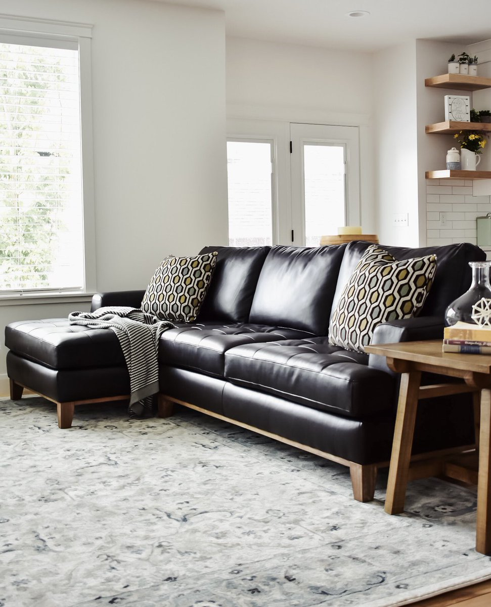 Rc Willey On Twitter We Love How Kari From Ourfigtreecottage Set Up Her Room Around This Contemporary Brown Leather 2 Piece Sectional Sofa Https T Co 4tgym6yrom Rcwilley Rcwilleyliving Rcwilleyhome Livingroom Familyroom