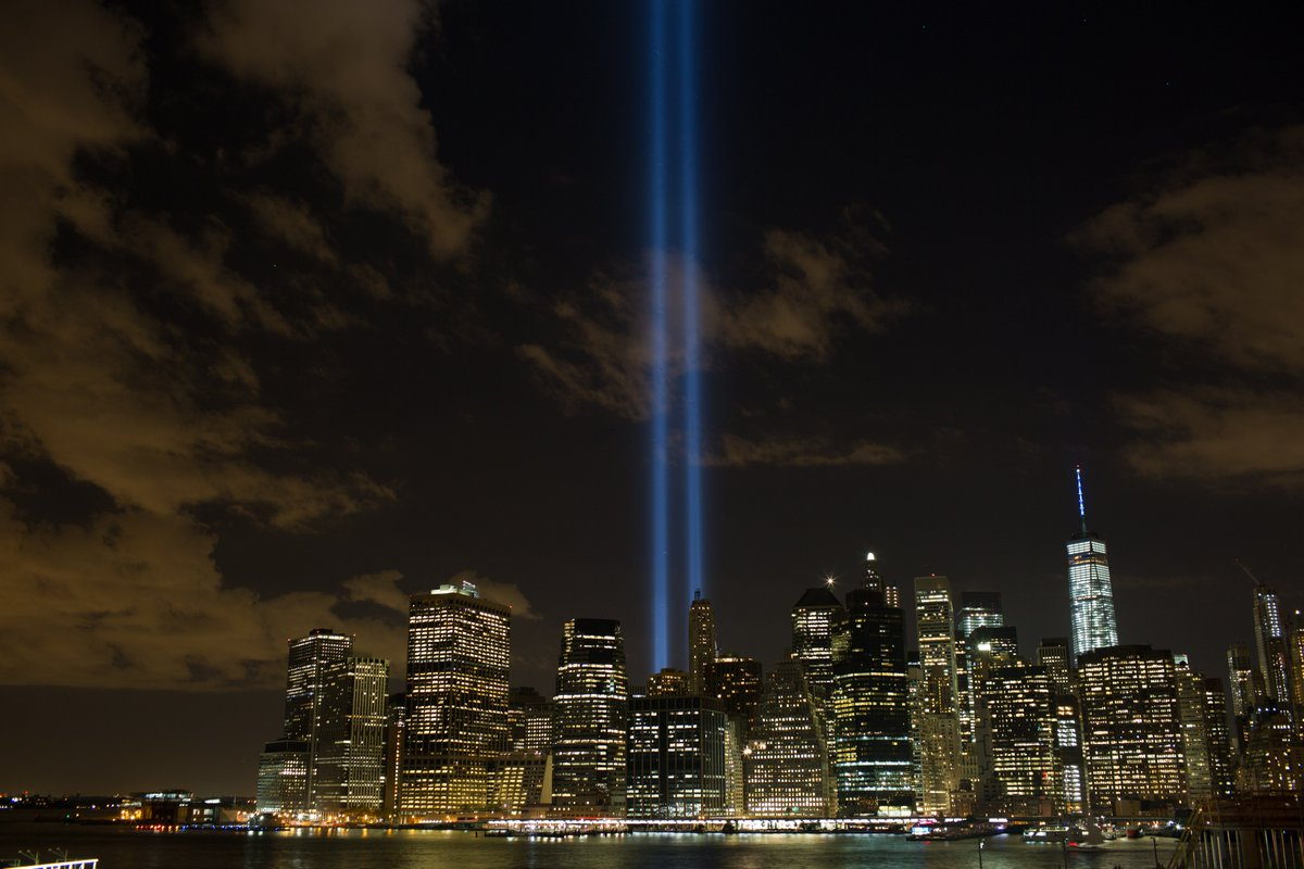 If you are in #NewYorkCity be sure to look up, we will be testing #TributeInLight tonight in preparation for the anniversary of 9/11. Share your photos of the illuminated sky with  and . #Honor911https://t.co/lwKI1ND86E