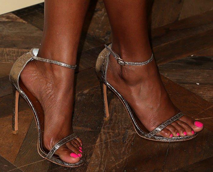 Toni Braxton's Feet Wikifeet