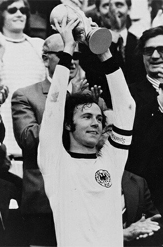 Happy Birthday to the Gratest of all time. Happy Birthday Der Kaiser  Franz Beckenbauer.