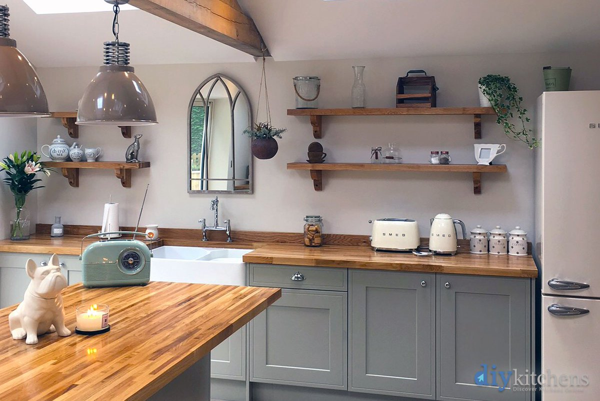 Diy kitchens diykitchens twitter jade from west yorkshire shows us her fabulous renovation and her newly fitted innova welton dakar kitchen supplied by diy kitchens ref1584 solutioingenieria Gallery