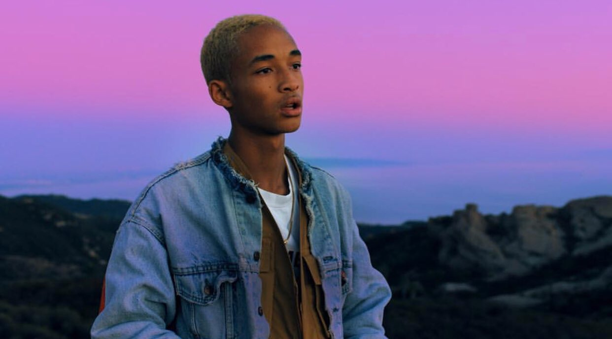 "Jaden Smith Tells Beats 1 Radio That He's ""transitioning into more rap."": https://t.co/e6A9ShHIp0 https://t.co/x5LVGTIGgI"
