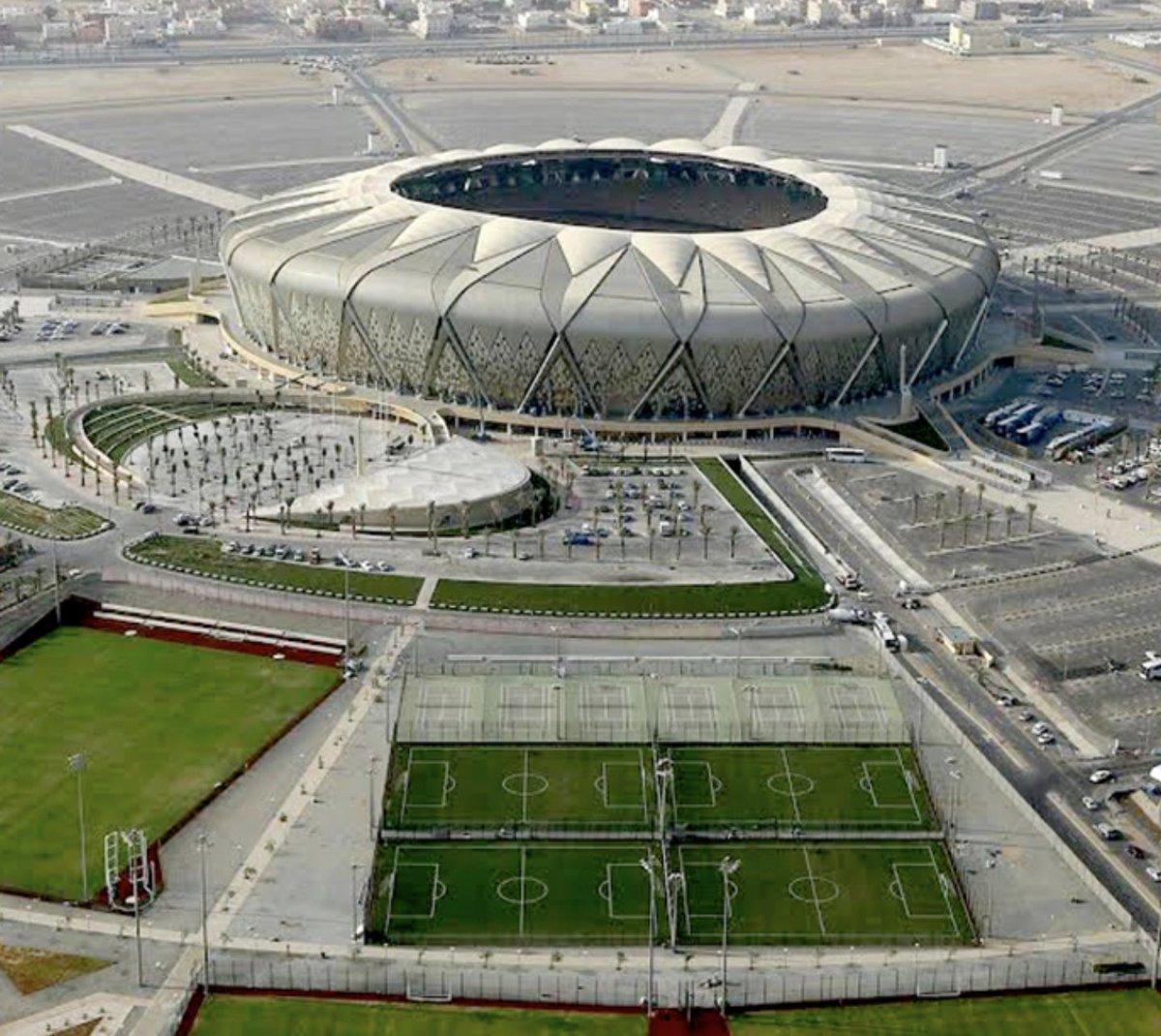 عبدالعزيز أحمد حنش On Twitter بداية أود الإشارة الى أنه تم تصميم استاد مدينة الملك عبدالله الرياضية في جدة لجعله يبدو وكأنه جوهرة ترتفع من الرمال ومن هنا أتت تسميته باستاد الجوهرة