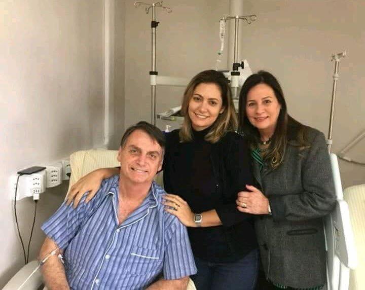 Ex-mulher de Bolsonaro deixou país depois de ter sido ameaçada de morte por ele #Eleições2018 https://t.co/ceJExgziu9