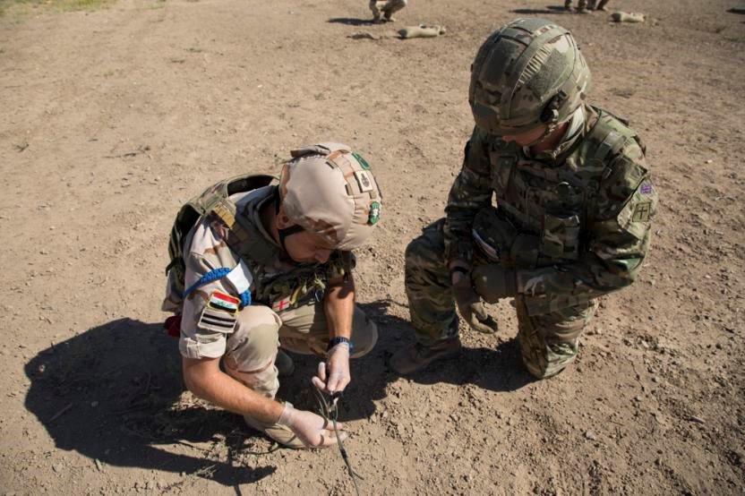 جهود التحالف الدولي لتدريب وتاهيل وحدات الجيش العراقي .......متجدد - صفحة 4 Dn-k3yGVAAAWE_W