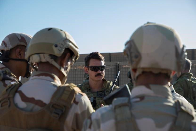 جهود التحالف الدولي لتدريب وتاهيل وحدات الجيش العراقي .......متجدد - صفحة 4 Dn-k6UFVAAEGuw5