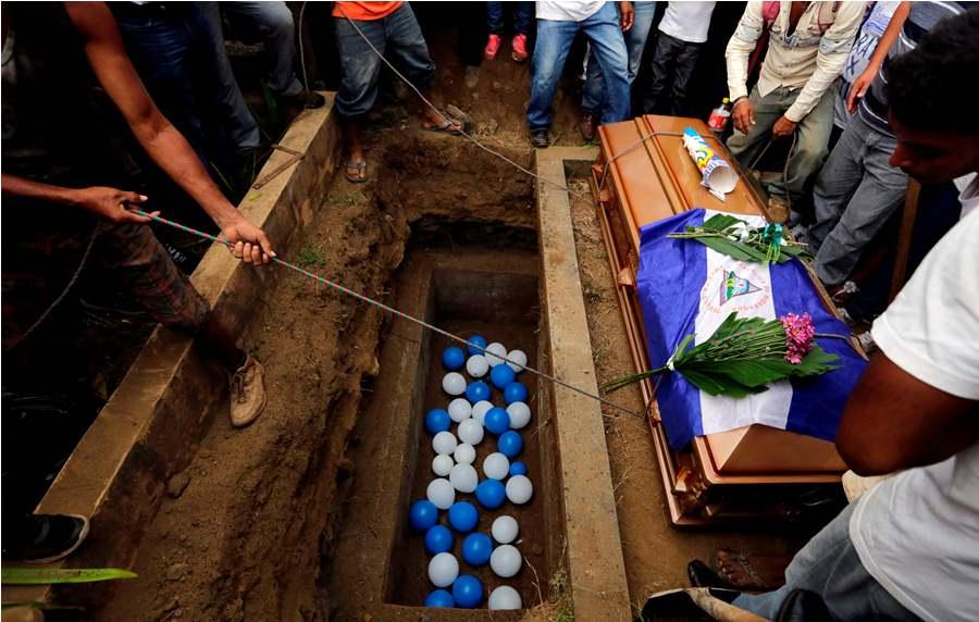 (Video) Familiares de adolescente asesinado no descansarán hasta hallar justicia https://t.co/SpESELlJ0v