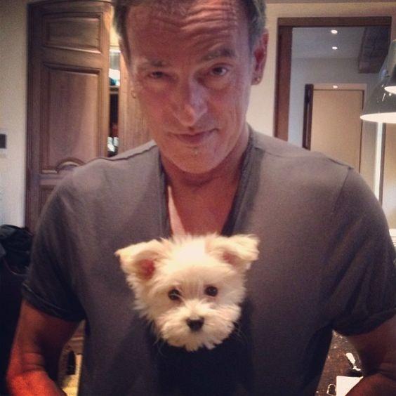 Bruce Springsteen y su perritu Happy birthday boss