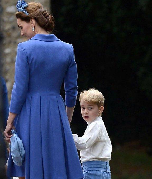 British Royal Family - Page 24 Dn0EeSJXsAAtFvZ