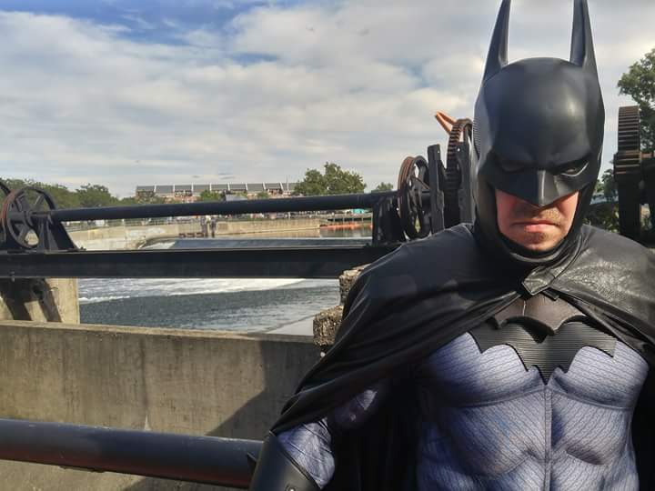 The wonderful, incredible @realajlockwood took this fine photo from yesterday's visit to #Ramencon in #SouthBend . #ArkhamUniverse #Batman #WB #DC #cosplay
