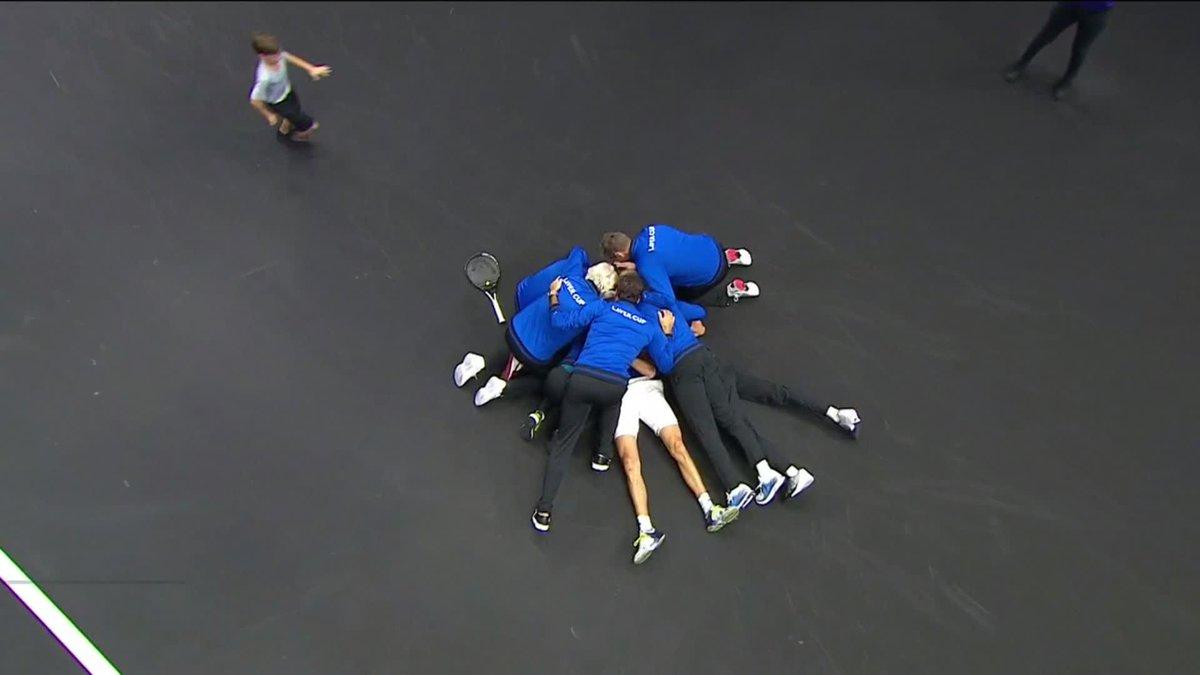 Alexander Zverev derrota a Kevin Anderson y con su victoria le da a #TeamEurope su segunda #LaverCup tras vencer 13-8 a #TeamWorld🔴