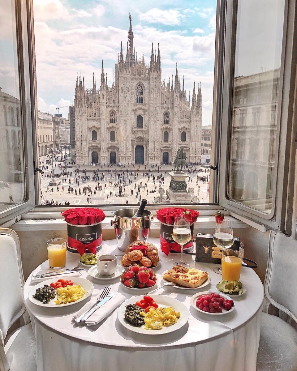 "This would be a ""Good Morning"" . . . #wine #champagne #food #travel #milan #italy #breakfast #foodie @winewankers @_drazzari @Momo_sandiego @Julianna_glass @always5star @suziday123 @LoriMoreno @SteveKubota @pietrosd @LisaRivera2207 @CaraMiaSG @amylieberfarb  by @fashioninmysoul<br>http://pic.twitter.com/IK0jHeACET"