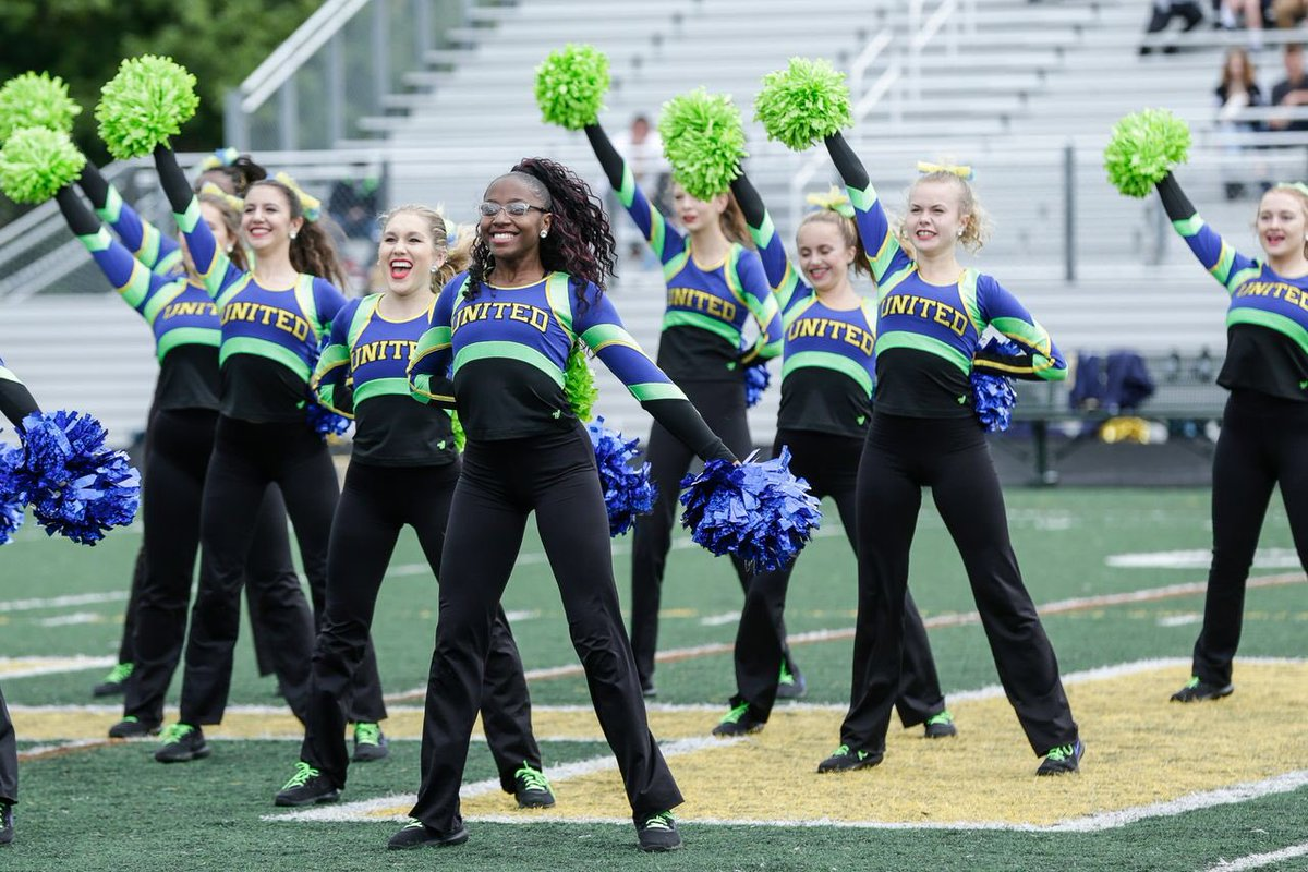 So excited to see our girls, and our homecoming queen @asiarivett in the Detroit free press today! 💙💚💛