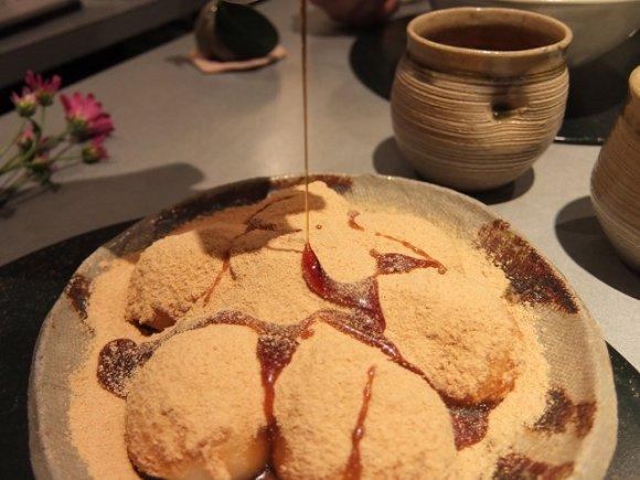 きなこ好きにはたまらないよーーー!(*´﹃`*) 意外な組み合わせもあるなぁ! ・きなこ×わらび餅 ・きなこ×揚げパン ・きなこ×かき氷 ・きなこ×白玉 ・きなこ×食べ放題のお餅 ・きなこ×ラテ なんできなこってあんなに美味しいんでしょうね! ⇒https://t.co/tPFjfCiuWz #メシコレ