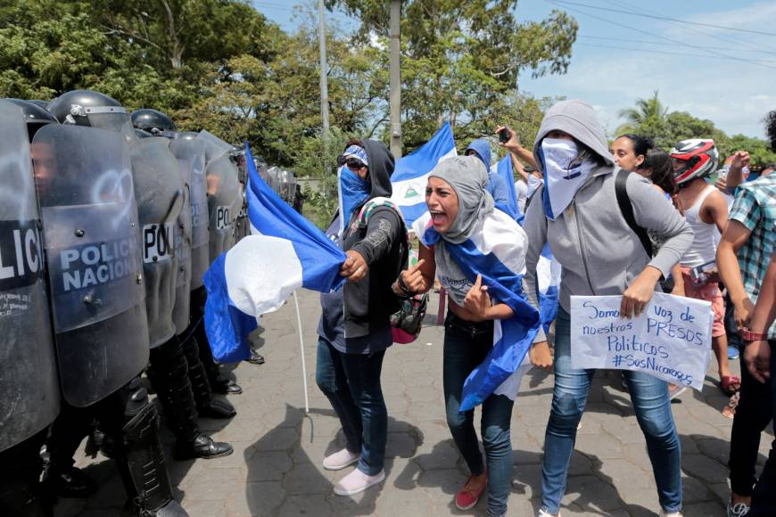 At least one killed as protests rock Nicaragua; Ortega defiant  https://t.co/T5y4SM7Bei https://t.co/gaIql28wdj