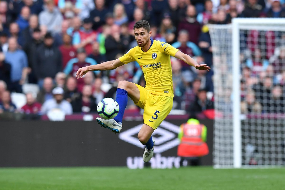 Chelsea midfielder Jorginho attempted 180 passes against West Ham – since 2003/04, this is the most by a player in a single #PL match