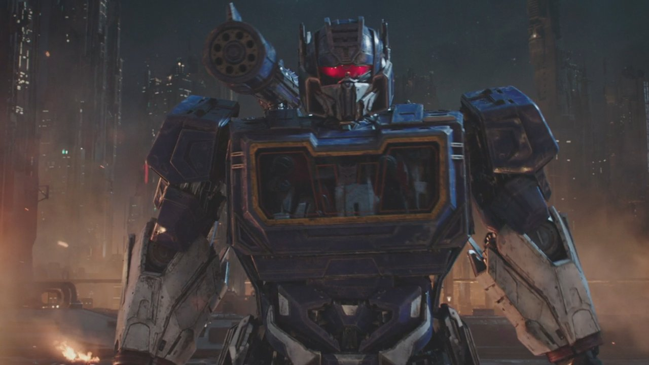 See Optimus Prime, Soundwave and more in the new trailer for #BumblebeeMovie  https://t.co/UVvIdznvvY https://t.co/OoLEyKCIHf