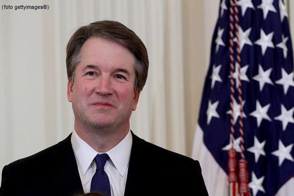 #UltimOra Molestie, Kavanaugh accusato da una seconda donna: difenderò il mio nome. La Casa Bianca lo difende #canale50 http://sky.tg/m8cyy  - Ukustom