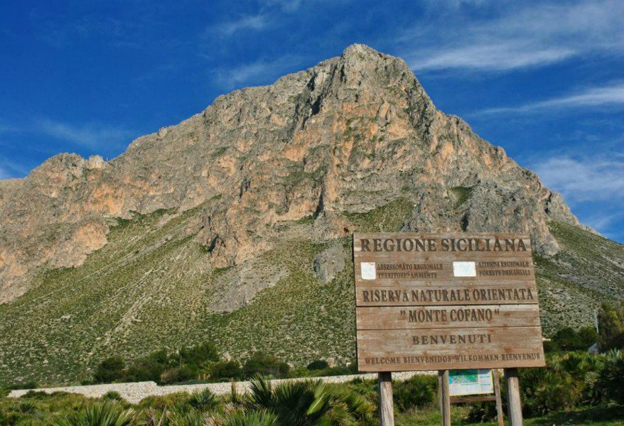 La Riserva Naturale del Monte Cofano https://bit.ly/2puev26  comprende un'area che partendo dal mare raggiunge una altitudine di 659 metri...@TurismoOggi #Sicilia #viaggi  #viaggiatori  #vacanze  #turismo  #viaggiare   - Ukustom