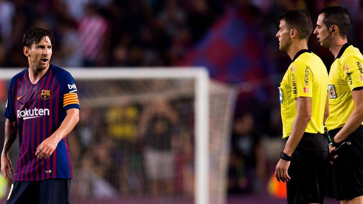 Só na América do Sul? VAR causa polêmica em jogo do Barcelona com Messi e Piqué 'pistolas' https://t.co/30UtFr76dt