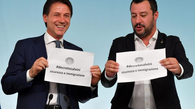 """#Migranti e #sicurezza, sì del Cdm al decreto. #Salvini: """"Chiuderemo tutti i campi rom"""" http://gds.it/2018/09/24/migranti-e-sicurezza-si-del-cdm-al-decreto-salvini-chiuderemo-tutti-i-campi-rom_921403/?utm_medium=feed&utm_source=twitter.com&utm_campaign=Feed%3A+gds_twitter_feed  - Ukustom"""