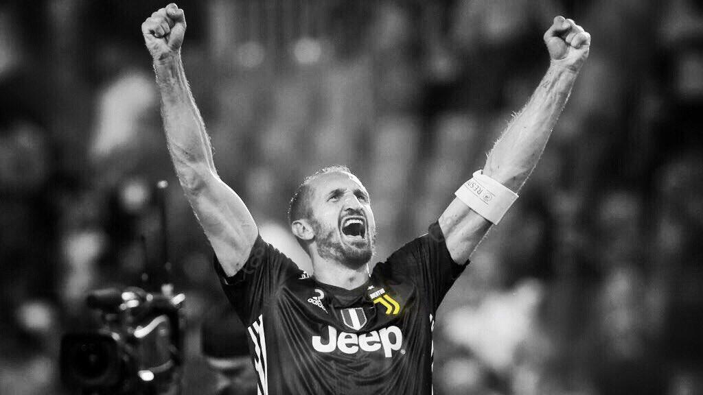 """""""Il tempo e la pazienza sono gli attributi più grandi di tutti i guerrieri.""""#CapitanoMioCapitano #Chiellini #GC3 #FinoAllaFine #JuveSpirit  - Ukustom"""